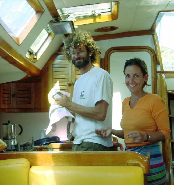 Antonio y Ana os dan la bienvenida a bordo.