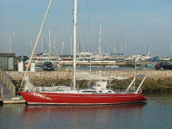 Tras otra travesia atlantica, el Tam-Tam reposa amarrado en Lagos, Portugal. Han sido 7 dias vertiginosos desde el ultimo puerto, en Azores.