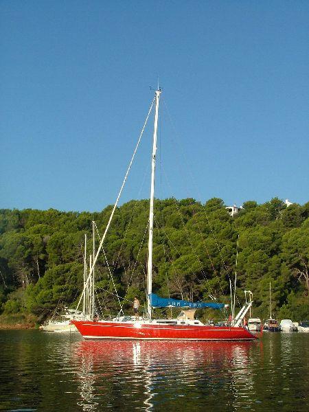 En la Cala Adaya, en el norte de Menorca, aún se puede disfrutar de una tranquilidad absoluta en medio de una naturaleza casi virgen.